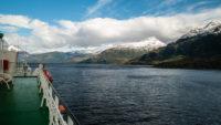 Vue du Ferry sur le fjord Chili