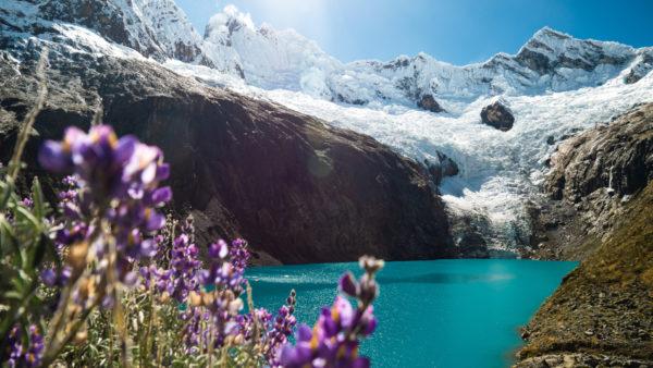 Lac turquoise Huaraz Pérou
