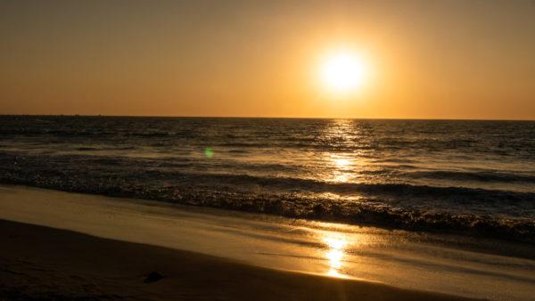 Plage mancora coucher de soleil