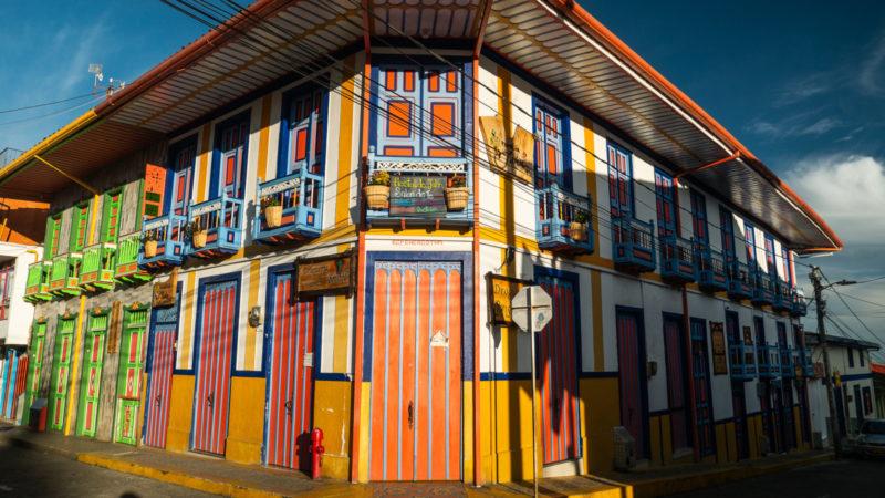 Maison coloré de FIlandia Colombie