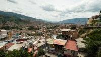 Vue d'ensemble de la comuna 13 Medellin Colombie