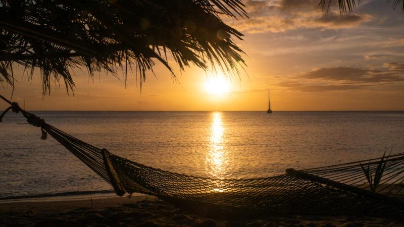 COucher de soleil avec hamac Korovou Fidji