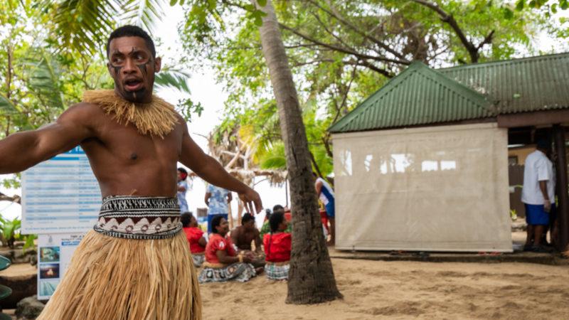 Spetacle South Sea island Fidji